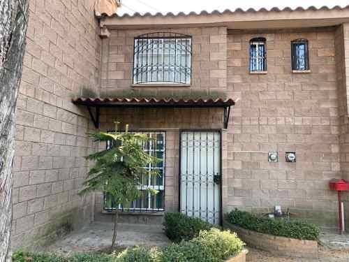 Casa En Renta Dentro De Fraccionamiento En Toluca