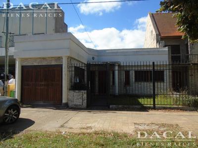 Casa En Alquiler La Plata Av 520 E/ 4 Y 5 Dacal Bienes Raices