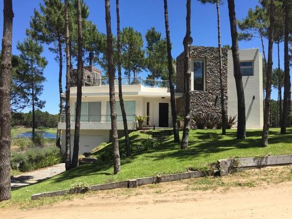 Casa En Barrio Cerrado , Cerca De La Playa, Laguna Y Bosques