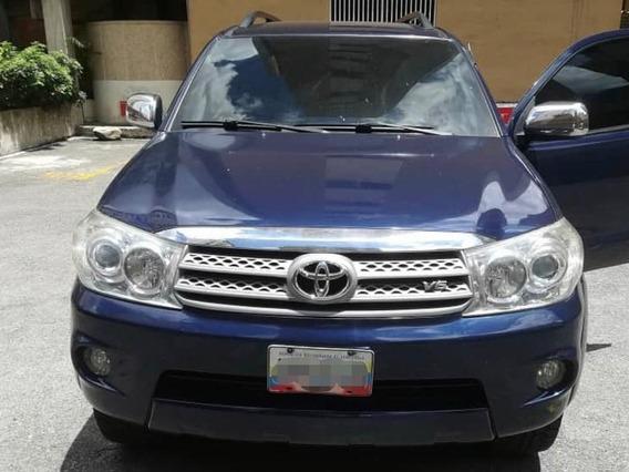 Toyota Fortuner 4x2 Con Tercera Fila