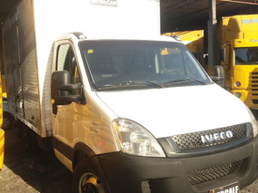 Iveco Daily 35s14 Ano 2013 Bau