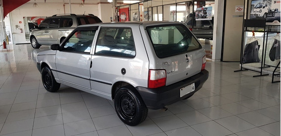 Fiat Uno 1.0 2009 Com 4 Pneus Novos