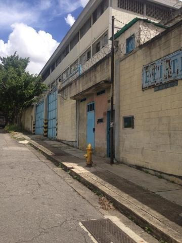 Edificio Industrial En Venta Mls #20-9738 La Yaguara