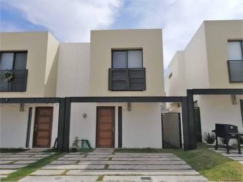Casa Dentro De Coto Con Alberca En Fracc. Adamar, Tlajomulco