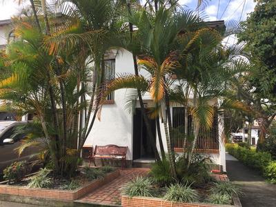 Hermosa Casa 3 Alcobas 3 Baños Patio Garaje Y Más