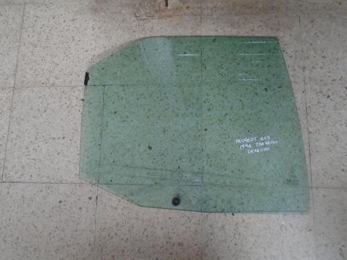 Vendo Vidrio Trasero Derecho De Peugeot 405, Año 1994