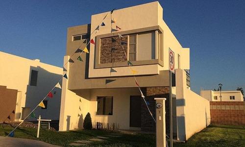 Imagen 1 de 7 de Casa En Venta En Villa Miguel Angel