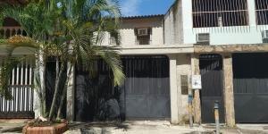 Casa En Venta Valencia Carabobo 18-11890rahv