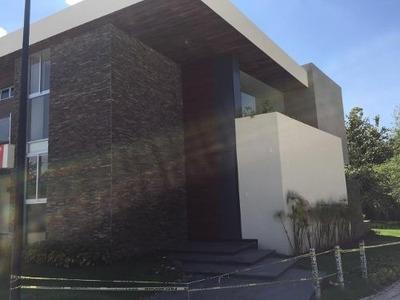 Venta Casa En Reserva Real, Zapopan, 614m2