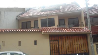 Casa 2 Pisos + Buhardilla