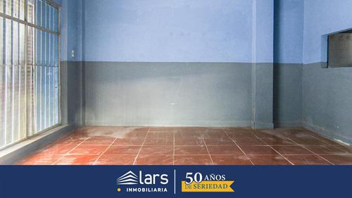 Local En Alquiler / Ciudad Vieja - Inmobiliaria Lars