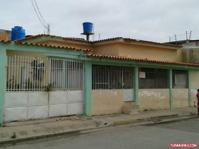 Florelia Mota Vende Casa 11 Habit Avenida Principal Tucacas