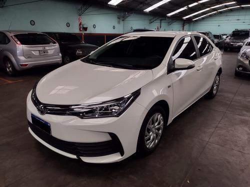 Toyota Corolla Xli Cvt 1.8 / Nafta / 2017