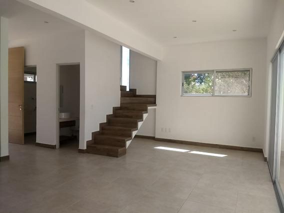 Rento Hermosa Casa En Residencial Ubicado En Av Huayacan
