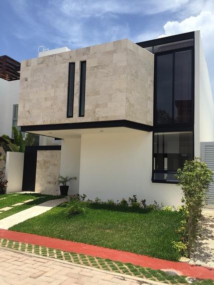 Se Vende Casa En Bosques De Bambu, Playa Del Carmen, Quintan