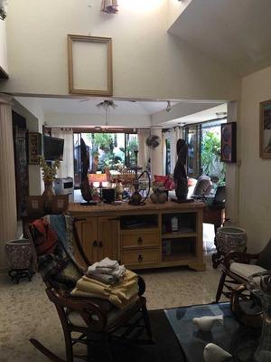 Hermosa Casa En El Ensanche Julieta Morales