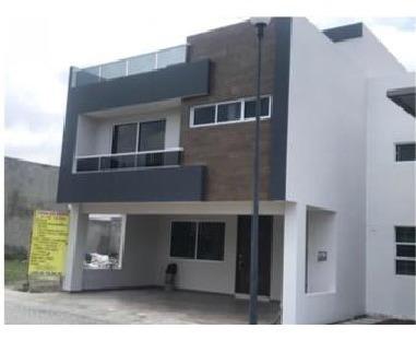 Casa En Venta En Fracc. Victoria Cerca Anahuac, Uvm, Radial