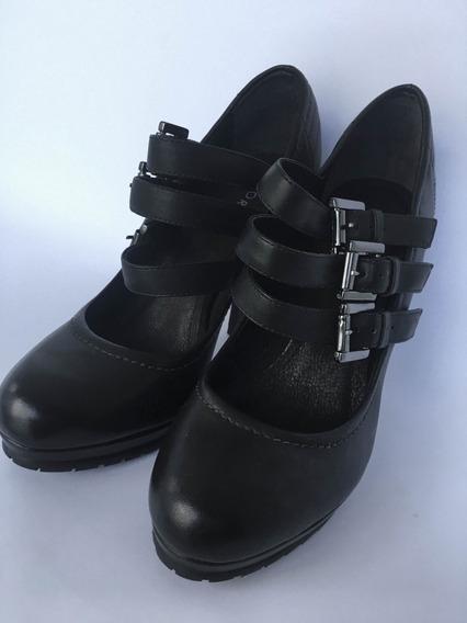 Sapato Corello - Couro Preto Com Fivelas (novo)