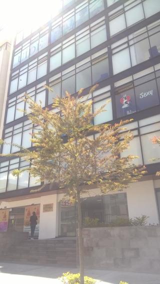 Venta De Oficina O Para Cons De 33.6m. En El Edificio Asoma.