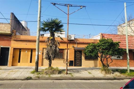 Casa 4 Amb Con Cochera Jardín + Dpto 2 Amb Frente