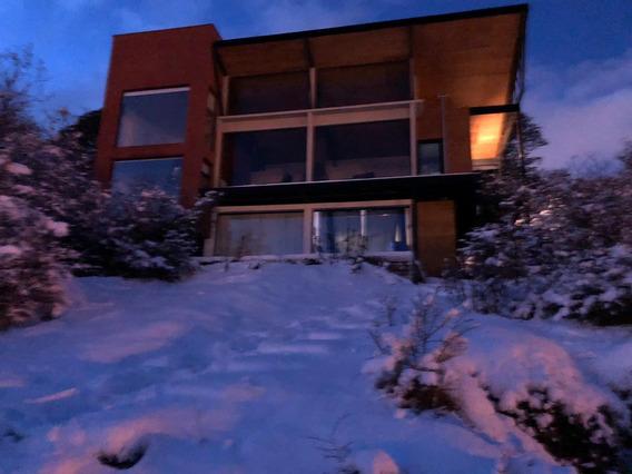 Excelente Casa En Ushuaia Vista Al Canal Beagle
