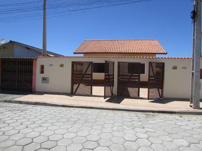 Casa Com 02 Dormitórios Na Praia De Itanhaém.