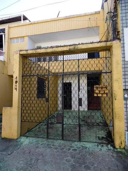 Casa No Centro - 4 Quartos (2 Suítes), Cozinha
