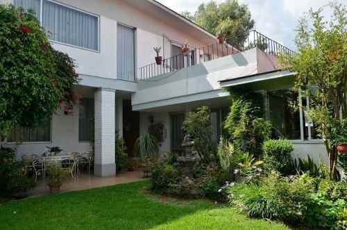Hv579-6, Rodeada De Residencias De Alto Nivel