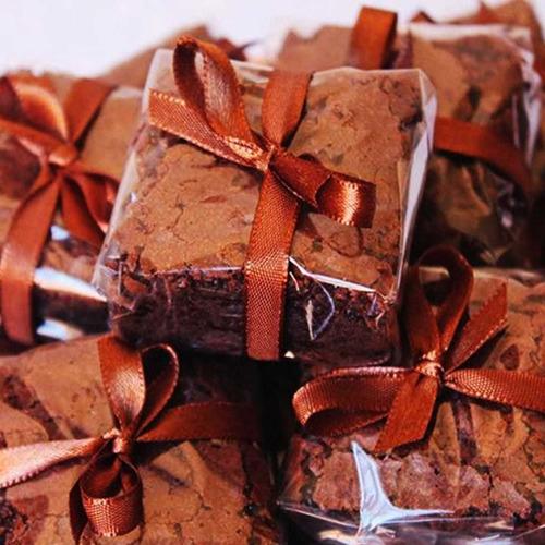 Imagem 1 de 2 de 200 Celofane Bopp 17x17 Transparente Para Brownies