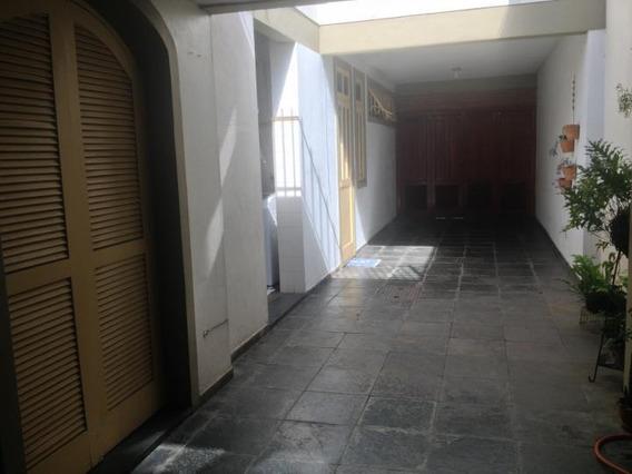 Casa Para Venda Em Volta Redonda, Jardim Veneza, 4 Dormitórios, 1 Suíte, 1 Banheiro, 4 Vagas - C184_1-388170