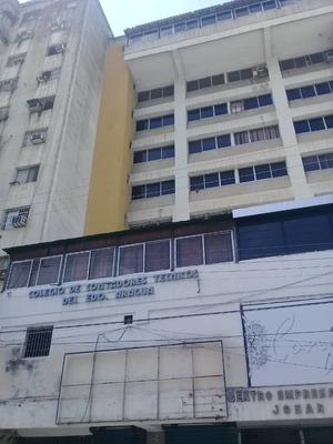 Vendo Local Para Oficina, Centro De Maracay 04144697067