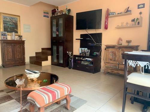 Vendo Apartamento 3 Dormitorios En Palermo, Patio, Parrilla