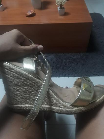 Sandalia Anabela Dourada