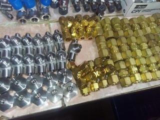 Conector 1/2 Npt X 1/2 Od Acero Inoxidable V-lok Y Parker
