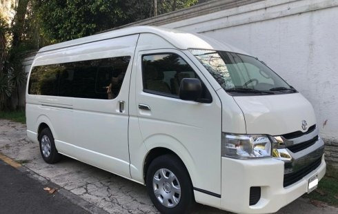 Toyota Hiace Combi