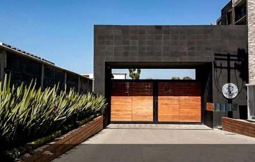 Casa En Venta Con Habitación En Planta Baja / Residencial Montesierra.