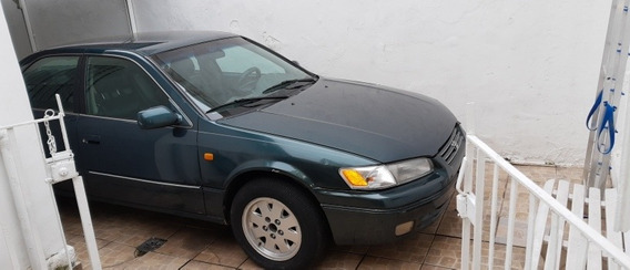 Toyota Camry Le 2.2