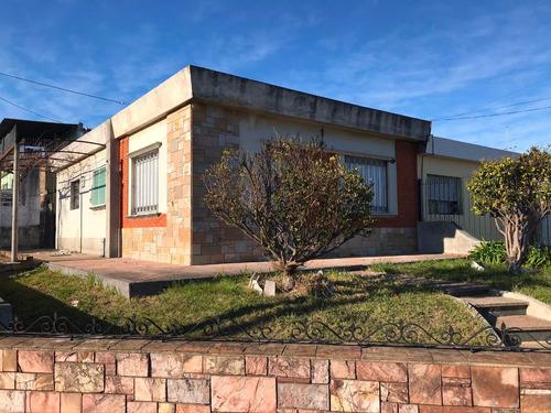Casa Y Apartamento - Cordobés Esq Illescas