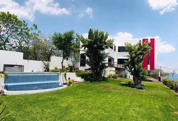 Preciosa Residencia, Diseño Minimalista, Vista Espectacular.