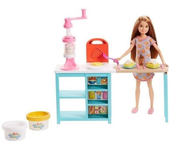Barbie Stacie Estação De Doces Mattel - Rosa
