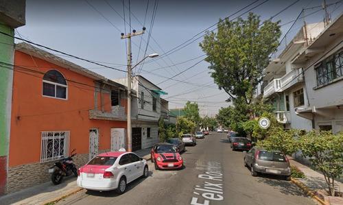 Imagen 1 de 8 de Casa En Venta En Constitución De La Republica Gam Mq
