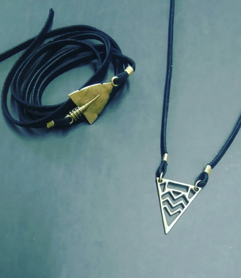 Conjunto Colar Pulseira Triângulo
