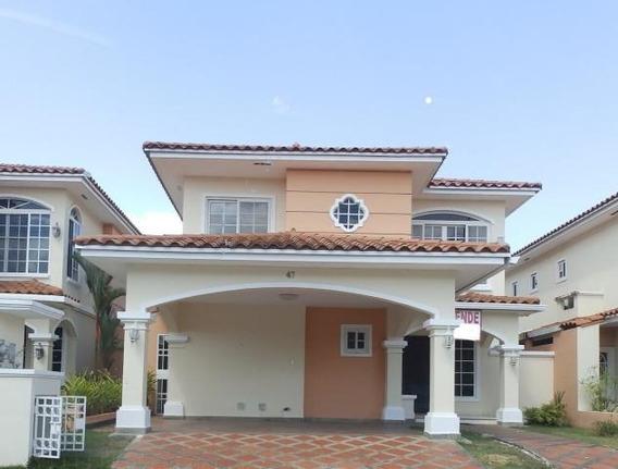 Vendo Casa En Ph Villa Valencia, Costa Sur 19-597**gg**