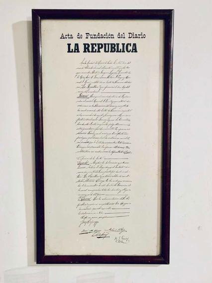 Cuadro Madera Lustrada Fundación Diario La República Popi31