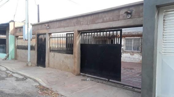 Luis Infante Mls# #19-15799 Casa En 18 De Octubre