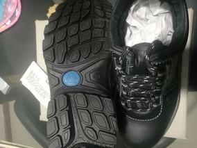 Zapatos Bde Seguridad Marca Bata, Talla 40.