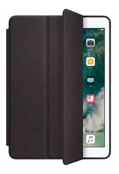Smart Case iPad + Película 9.7 2018 A1893 6º Geração Preta