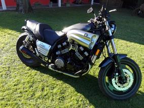 Yamaha V-max 1200cc.