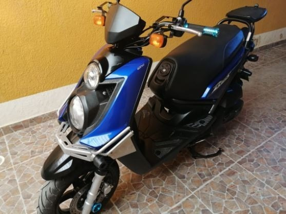Moto Bwiss Modelo 2012