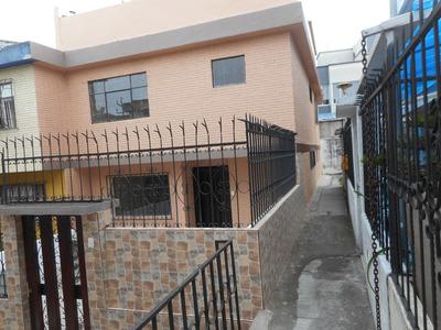 Casa De 3 Pisos En Cotocollao $70000 Negociables